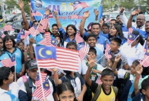 Photo from NST article, 30 Aug 2012, http://www.nst.com.my/latest/kota-raja-people-rally-with-schoolchildren-to-usher-in-55th-merdeka-day-1.131768
